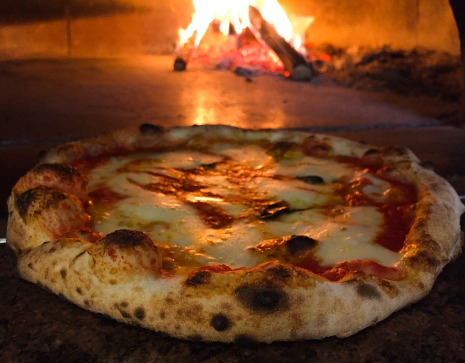 pizza margherita-farina-pizzeria-pub-paninoteca-pizza-napoletana-roma-tiburtina